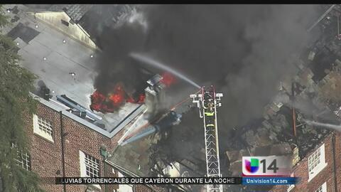 Voraz incendio consumió iglesia en Berkeley