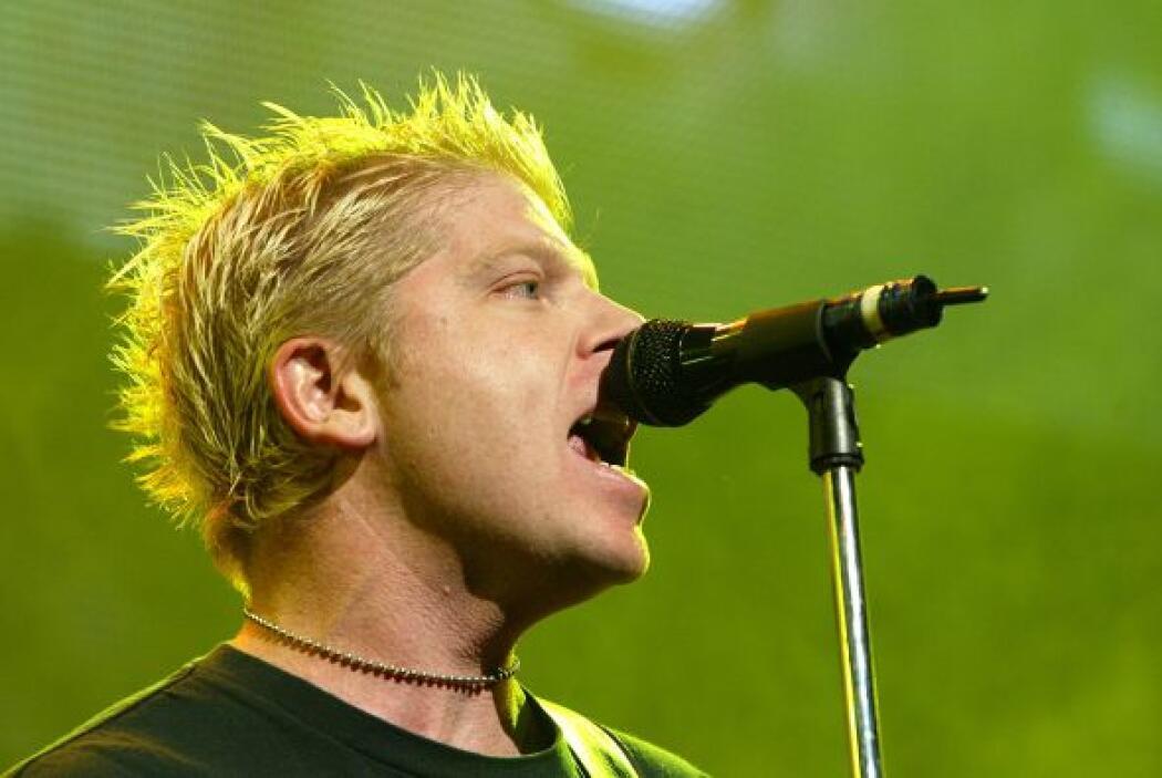 Dexter Holland, cantante de la banda punk The Offspring   El tercer rock...