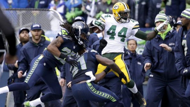 Momento en que Sherman se lastimó el brazo (AP-NFL).