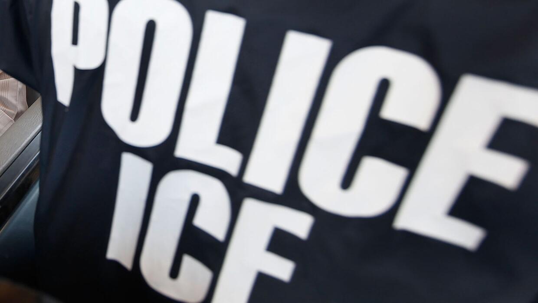 Agente federal de ICE.
