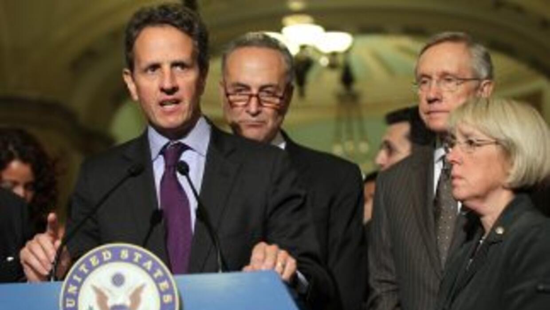 """""""No tenemos mucho tiempo. Es hora de moverse"""", afirmó Timothy Geithner a..."""