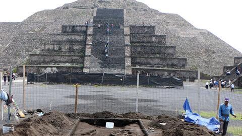 Descubren enigmáticas fosas en Teotihuacán