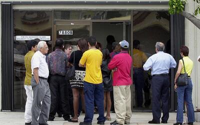 California toma medidas para frenar un presunto fraude en servicios de i...
