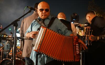 Ricardo Castillon Performs Live At Maverick Plaza For New Year's Eve