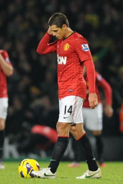 Manchester United se vio sorprendido por el Reading y perdió el liderato...