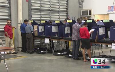 Continúan críticas a Brian Kemp por fallas al sistema de registro de vot...