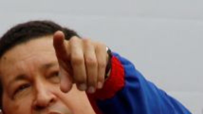 El presidente Hugo Chávez conversó con el líder libio Moamar Gadafi sobr...