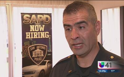 Policía de San Antonio busca agentes en Dallas para unirse a sus filas