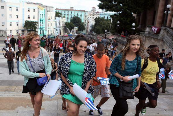Inmediatamente después de su arribo, los universitarios se trasladaron a...