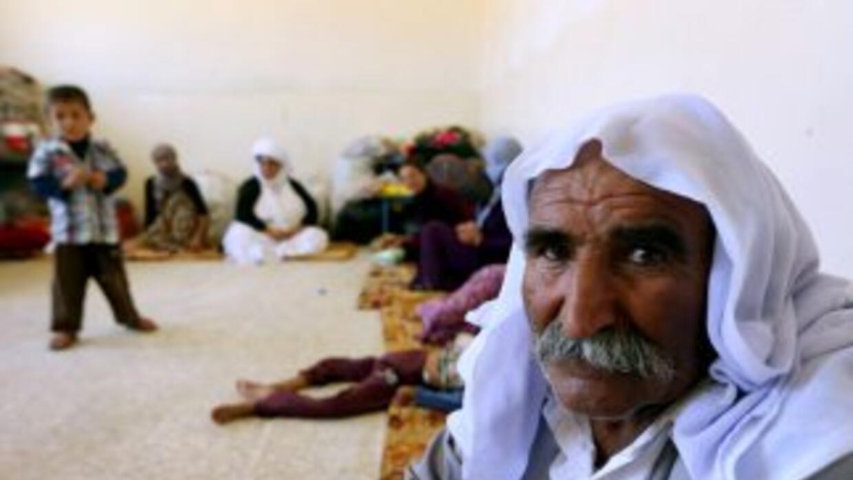 Entre 10.000 y 40.000 personas se encuentran atrapadas en el Monte Sinjar.