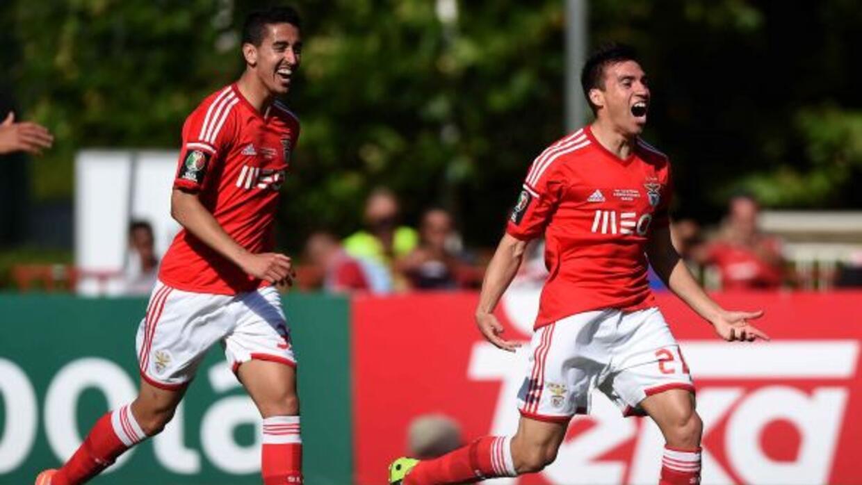 Nico Gaitán hizo el gol con el que el Benfica consiguió este histórico t...
