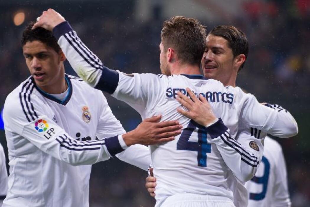 Gracias a un buen remate de cabeza, Ramos ponía el 2-0.