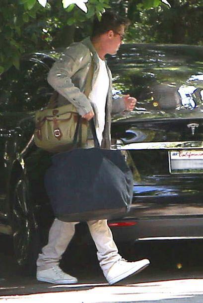 Él cargaba todas las maletas. Mira aquí los videos m&aacut...