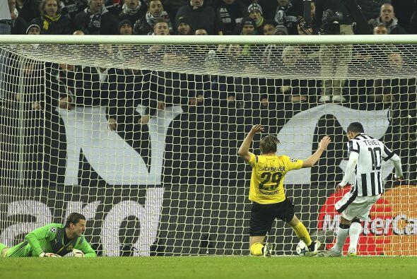 El gol no tardaría en llegar, al minuto 13 un centro de Morata se...