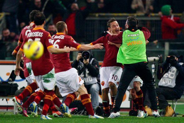 Un solo gol tuvo este partido y Totti fue el autor del mismo, dán...