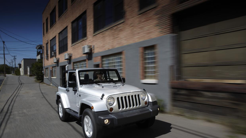 El Jeep Wrangler 2010 se encuentra entre los modelos afectados por el ll...