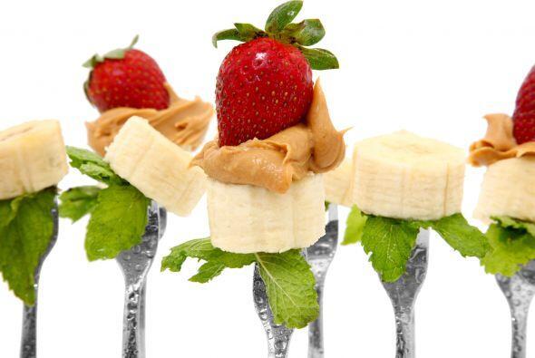 Snack de banana como postre o colación:  corta una banana en trozos de 1...