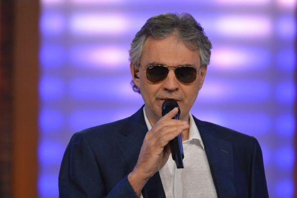 Así que para todos los enamorados, Bocelli es un excelente regalo...