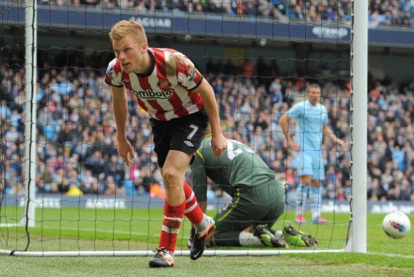 Pero el Sunderland aprovechó los errores defensivos del City y lo...