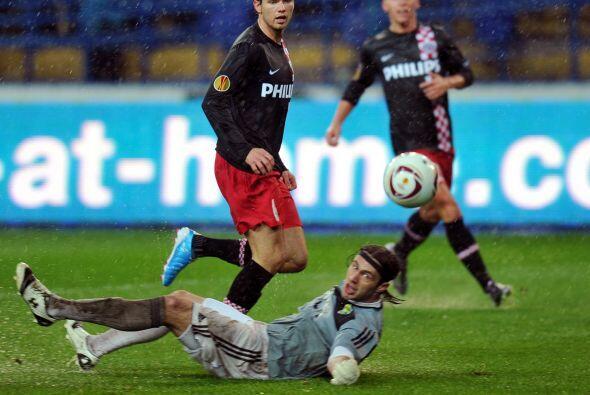 El PSV tuvo mejor fortuna jugando como visitante en el campo del Metalis...