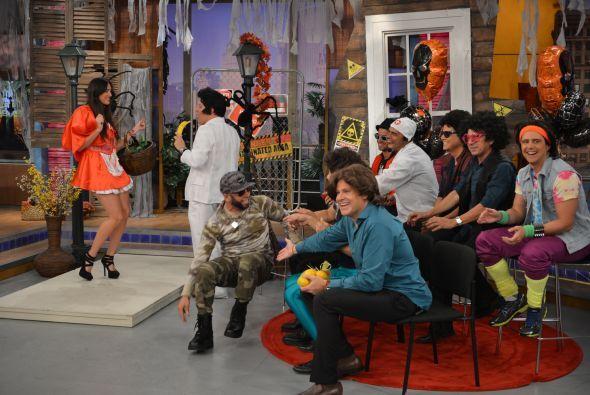 Raúl, perdón, Juanga puso a bailar a caperucita.