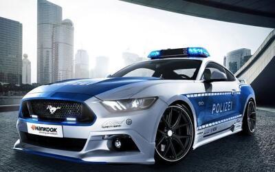 Wolf Racing se encargó de potenciar este Mustang GT europeo para...