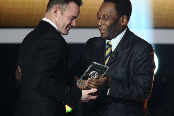 Wayne Rooney estuvo entre los mejores delanteros.