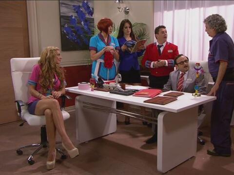 Cipriano reunió a todos en la oficina para informarles que el tal...