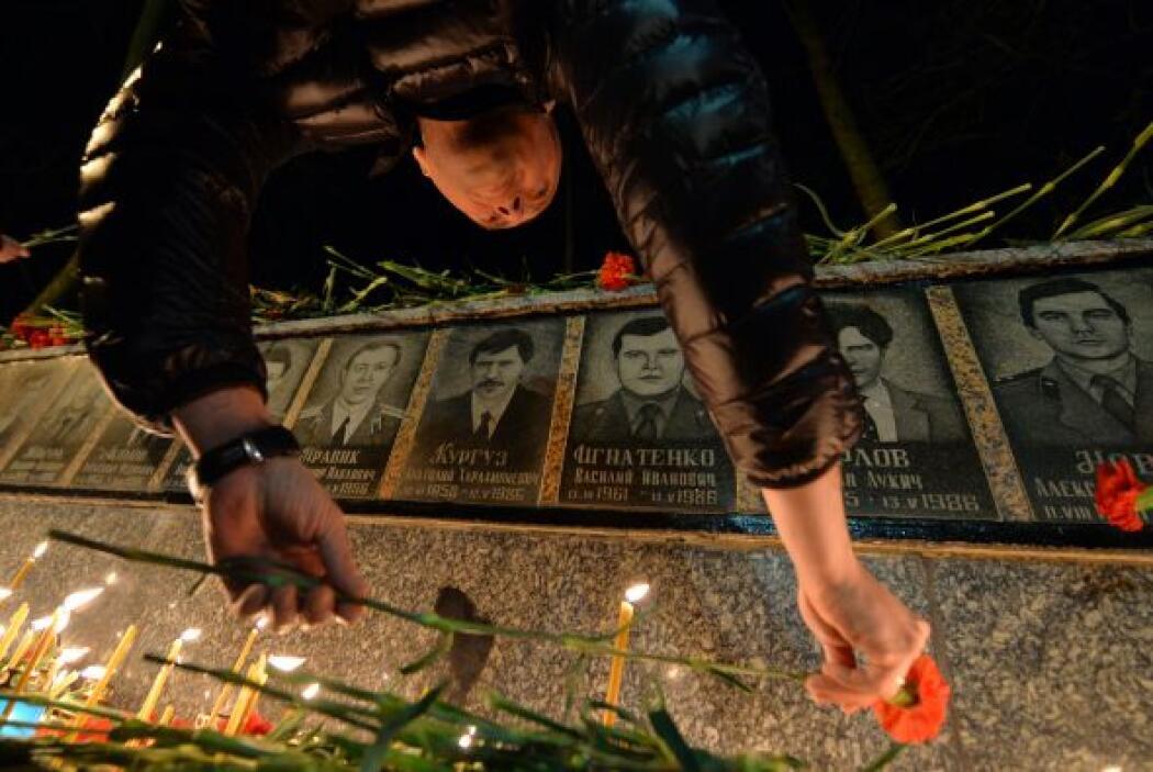 """""""Jamás debemos olvidar a los incontables hombres, mujeres y niños afecta..."""