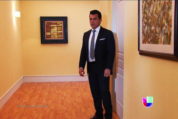 Voltea Fernando, Enrique está en la recámara de tus hijas.