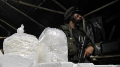 El cargamento fue encontrado en 30 paquetes plásticos escondidos junto a...