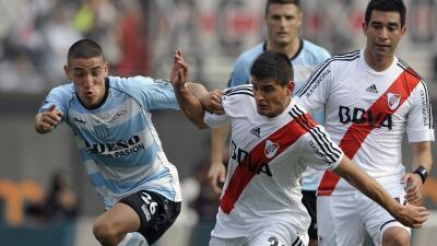 Diego Martínez jugando con River Plate