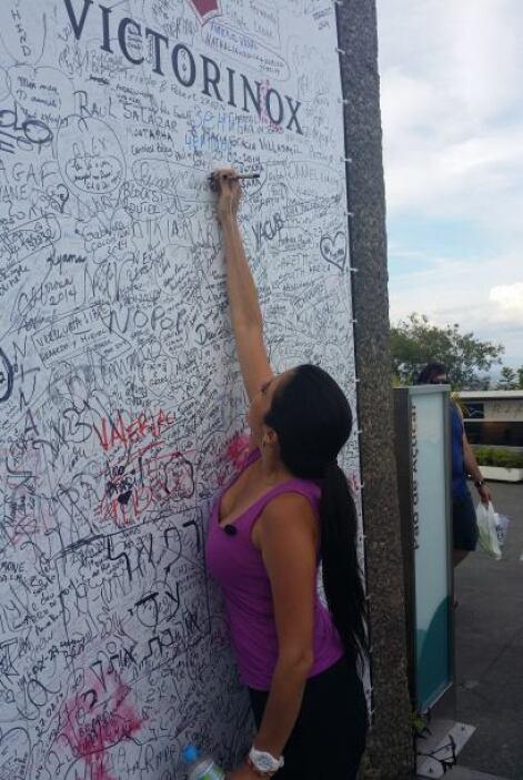 Antes de irse, Maity dejó su nombre escrito en una simbólica y tradicion...