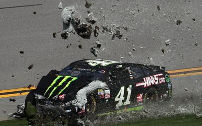 Johnson ganó por un pelo a Bowyer en Talladega GettyImages-642922476.jpg