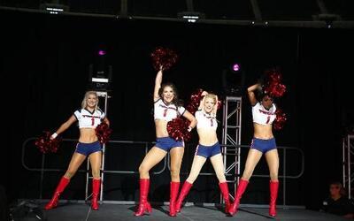 Las chicas de los Houston Texans nos muestran cómo se hace un performanc...