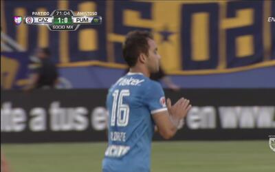 Adrián Aldrete sorprende a 'Pikolin' con este tiro libre y abre el marcador