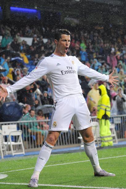 Ronaldo es un polivalente atacante que puede jugar como extremo, media p...