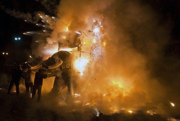 Se estima que alrededor de 164 'toritos' fueron quemados. El gobierno mu...