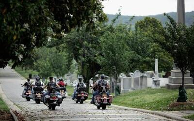La conmemoración del Memorial Day comenzó con una visita de militares re...