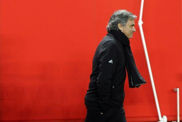 Ya en la segunda mitad, Mourinho mostró una cara más diste...