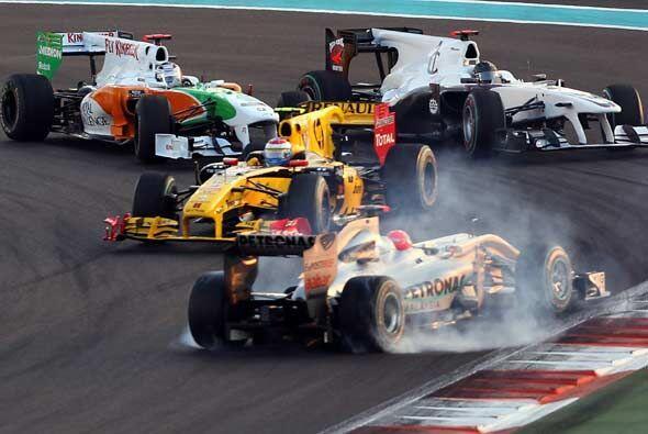 La temporada de regreso de Michael Schumacher terminó con este accidente...