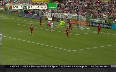 Quiebre de cintura de Gio y gol de Keane
