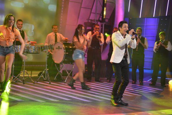 Dio un gran show. Se movió, cantó, se divirtió. ¡Puso a bailar a todos!