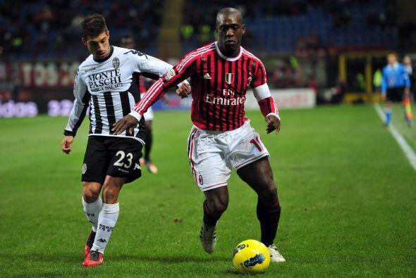 El Milán recibió al Siena buscando una victoria que los de...