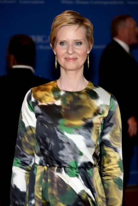 "Cynthia Nixon, recordada por ""Sex and the City"". Mira aquí los videos má..."