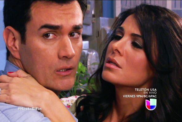 Y Flor también está que se muere por Salvador.