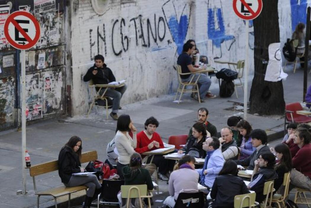La presidenta Cristina Kirchner apoyó la protesta estudiantil en la capi...