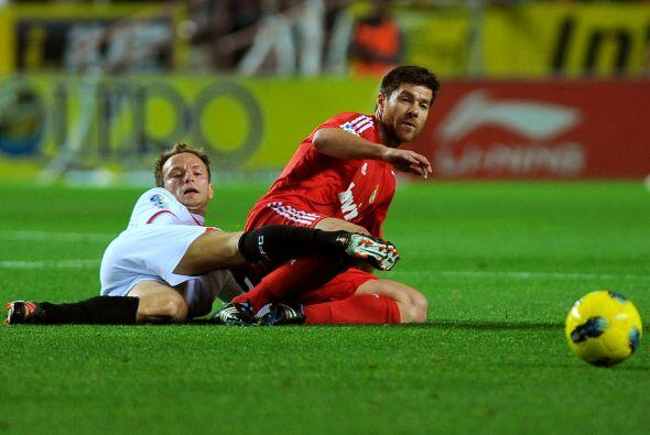El Sevilla sintió el gol y fue al ataque. Puso en apuros a Casill...