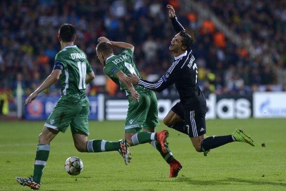 Real Madrid sufrió, pero venció 2-1 a Ludogorets con anotacioes de Crist...