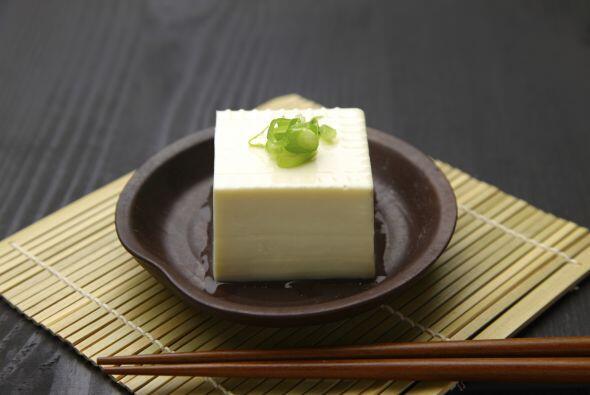 Tofu. Este alimento también contiene ácido alfa-linolénico, por lo que s...